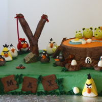 Angry Birds Angry Birds buttercream cake with hand molded fondant accents