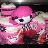 Lalaloopsy Doll was a present for the birthday girl, the rest was fondant