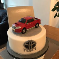Toyota Hilux Invincible Truck Cake Toyota Hilux Invincible Truck Cakefondant car