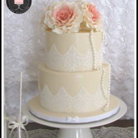 Vintage Rose Cake I made this cake for a first communion. It´s a 2 tier vanilla cake.