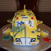 Wahoo Magic School Bus! My first Magic School Bus for Weston's first birthday. He recognized the cake!