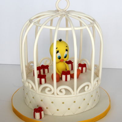 I Tawt I Taw A Putty Tat! Tweety bird in a fondant birdcage