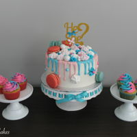 Gender Reveal Drip Cake & Cupcakes I absolutely love gender reveal cakes! So here's my take on a gender reveal drip cake with matching cupcakes! Tutorial: