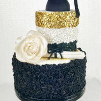 Graduation Bling Cake I love it when I have full reign on design! Made this for a lovely girl graduating from high school. TFL!!