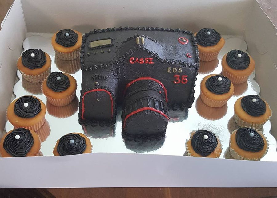 Camera Cake: Buttercream on Cake Central