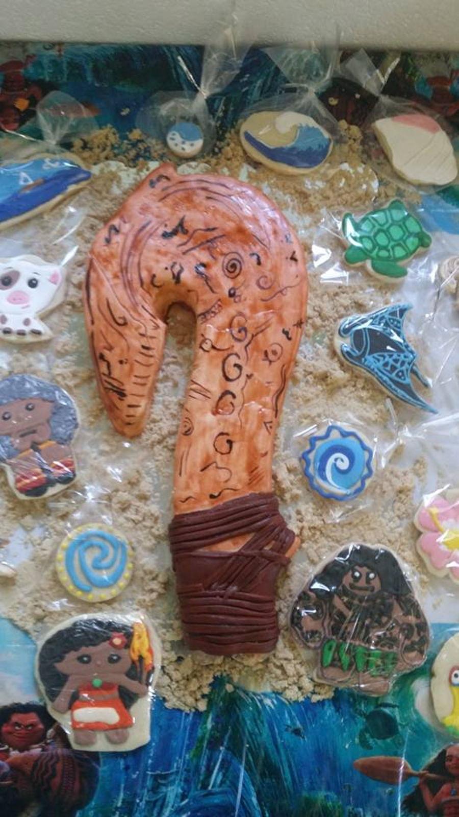 Moana maui fish hook cake cookies for Maui fish hook moana
