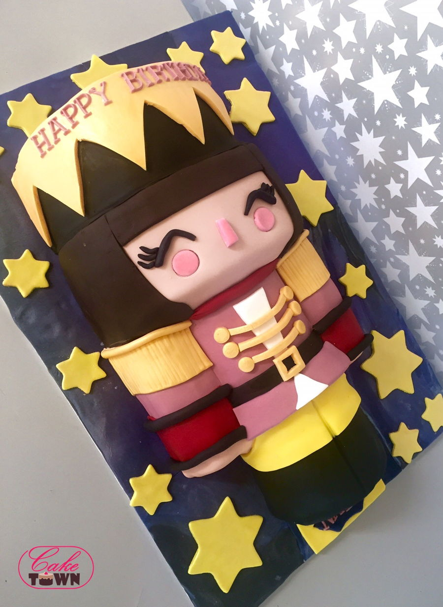 Momiji Nutcracker Cake on Cake Central