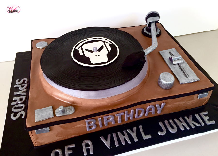 Record Player Cake on Cake Central