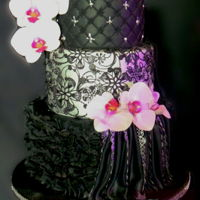 Black Beauty This wedding cake is simply one of my best. I loved playing around with lace, ruffles, drapes and dust.