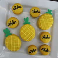 Pineapple/tropical Themed Macarons Made these delicious macarons for the family!