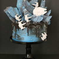 Star Wars Cake Create this drip cake using candy melts and silicone molds! http://www.thepartiologist.com/2017/07/star-wars-cake.html