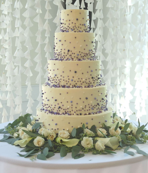 Cascading Pearls Wedding Cake