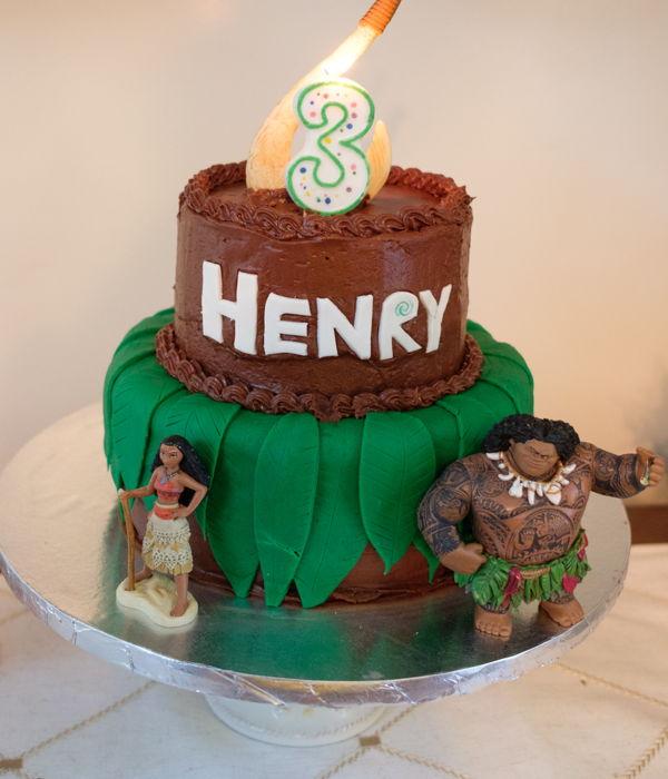 Maui And Moana Birthday Cake - CakeCentral.com