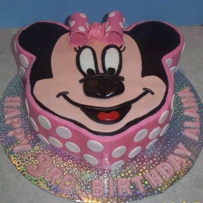 Minnie Mouse Cake Modeling chocolate decorations