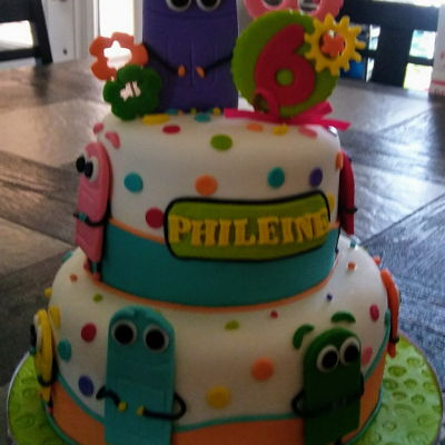 Storybots Cake Fondant cake with bots figure