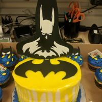Batman Drip Cake Batman fondant topper with colored white chocolate ganache. Matching cuppy-cakes with fondant toppers. TFL