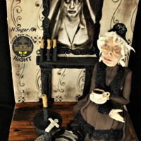 Creepy Room - Haloween Cake Hi everyone ,this is my piece made for Cakes that go bump in the night collaboration, it's inspired by the old creepy rooms and the...