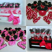 Minnie & Mickey Mouse Themed Cake Pops And Cookies sugar cookies