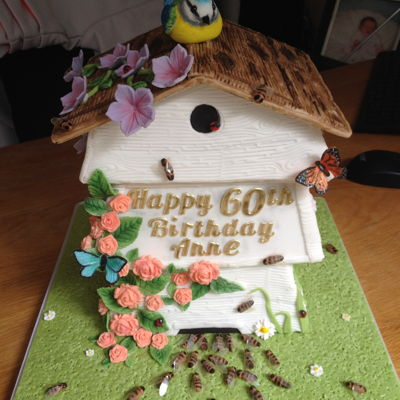 Beehive In The Garden Cake Very fiddly and time consuming but pleased with how this one came out!!!