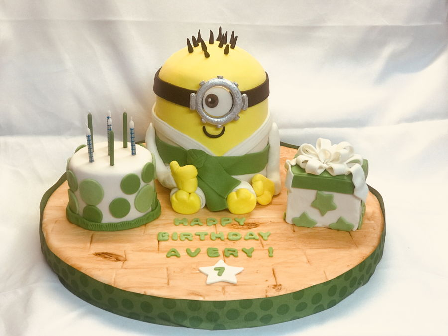 Karate Minion on Cake Central