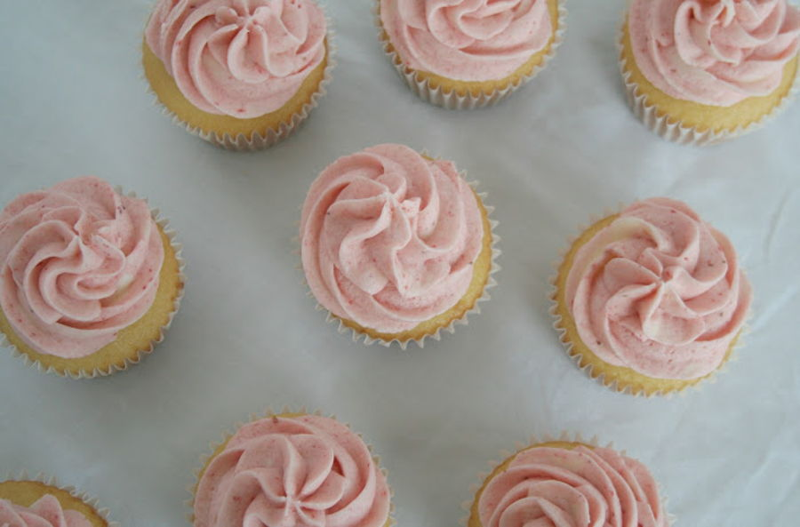 Vanilla Strawberry Cupcake on Cake Central