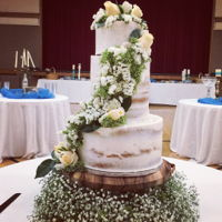 Semi Naked Cake With Fresh Flowers Semi Naked Wedding Cake with fresh flowers