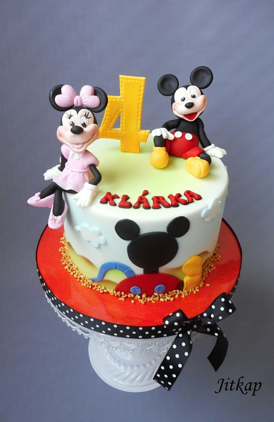 Mickey And Minnie Mouse on Cake Central
