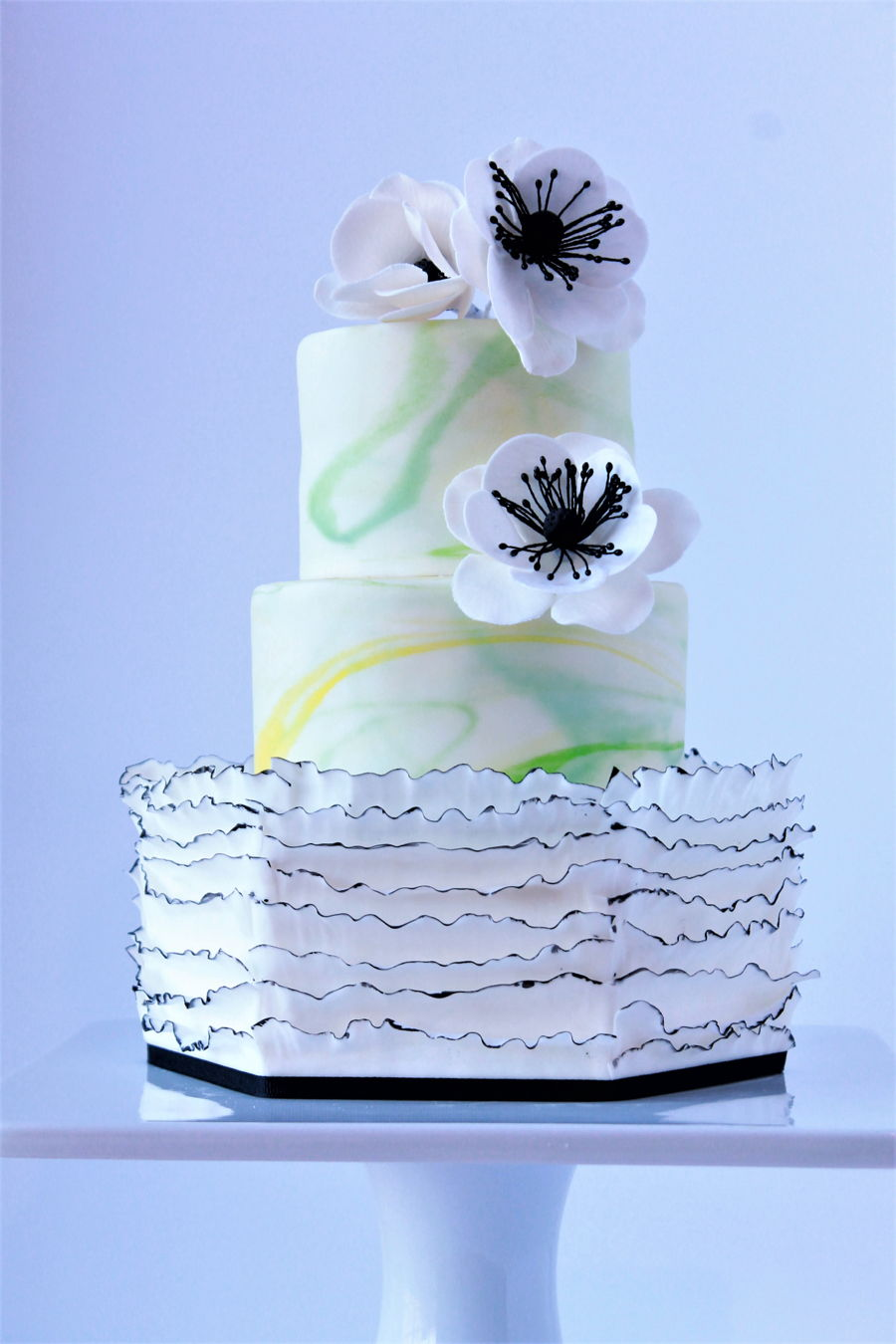 Simple And Pretty on Cake Central