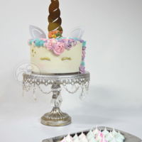 I Believe In Magic Lovely unicorn cake with a MDF topper. I bought the cake topper kit to @crearpym on instagram, they make worldwide shipping.