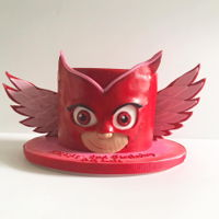 "Owlette PJ masks owelette cake 7"" covered in fondant wings molded from modeling chocolate"