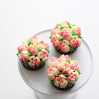Pink And White Flower Bouquet Cupcakes pink and white flower bouquet cupcakes