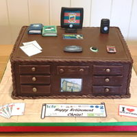Teacher's Desk Retirement Cake I made this cake for a former colleague at LCFE Limerick College of Further Education) to celebrate her retirement in September 2016....