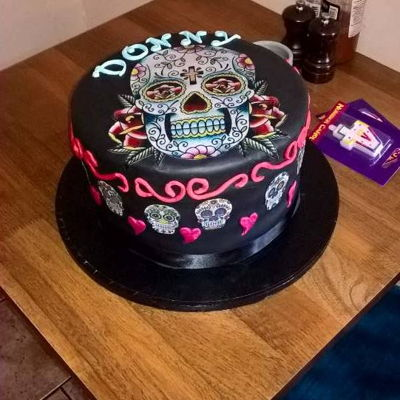 Cinco De Mayo Top Hat Cake Top hat with Day of the Dead skull decorations