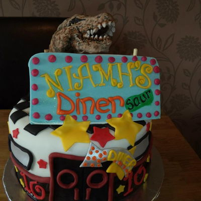 Dinosaur Diner Cake How do you combine Jurassic Park and a diner in a cake (daughter's request). Well I tried H