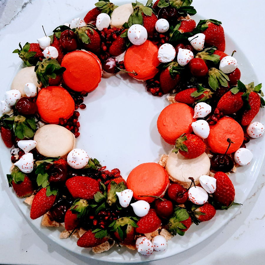 Eton Mess Wreath on Cake Central