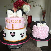 Minnie Cake with smash cake