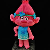 Poppy - Trolls This was a gift for a very close little friend.Hope you like her!! <3TFLAna Remígio CUPCAKES & DREAMS My facebook:...