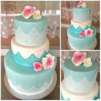 Roses... A simple cake for a girl that loves blue tiffany and roses...