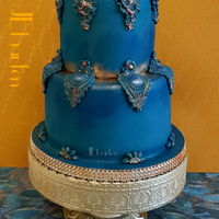 Wedding Cake Royal Blue I mixed blue, purple, green and black to get this colour, dusted over it to give some highlites