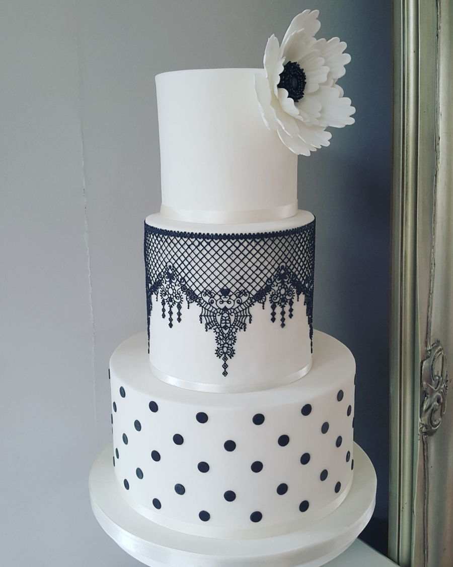 Black And White Lace Wedding Cake Cakecentral Com