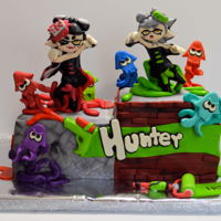 Splatoon Sisters cake covered with mmf and gum paste decorations