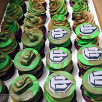 War Of Tanks buttercream iced cupcakes with fondant cake toppers