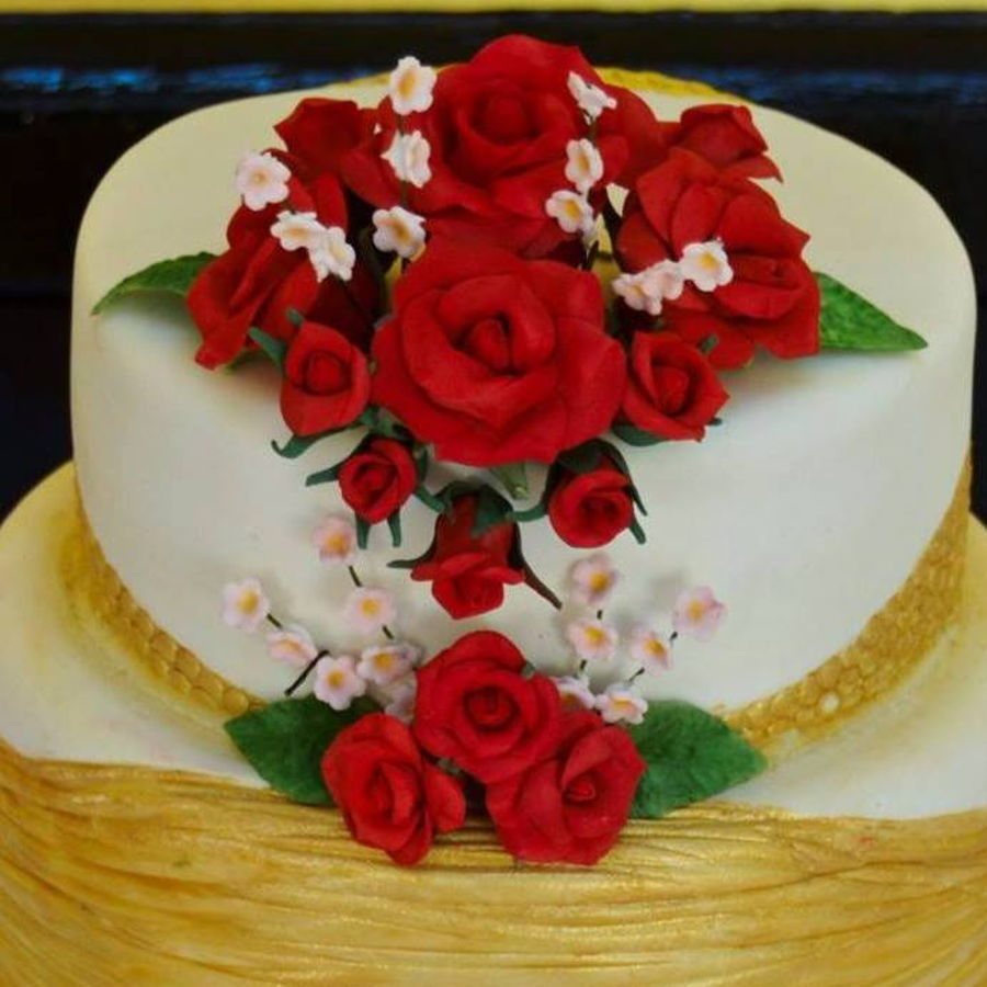 three tier wedding cake with red roses 3 tier wedding cake with roses cakecentral 20955