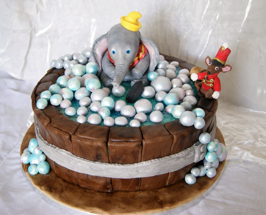 Dumbo In Tub Baby Shower Cake Cakecentral Com