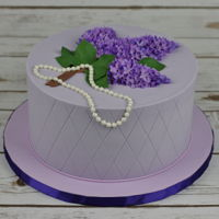 Cake With Lilac Flowers Gumpaste lilac flowers