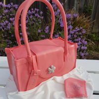 Handbag Cake Beautiful handbag cake.Here's the tutorial on how to make this: