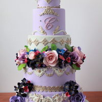Royal Elegant Wedding Cake sugar flowers