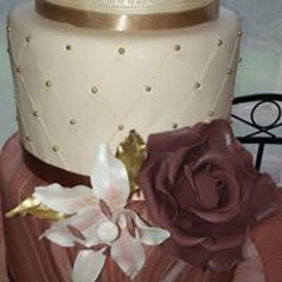 Beautiful Dummy - Wedding Cake