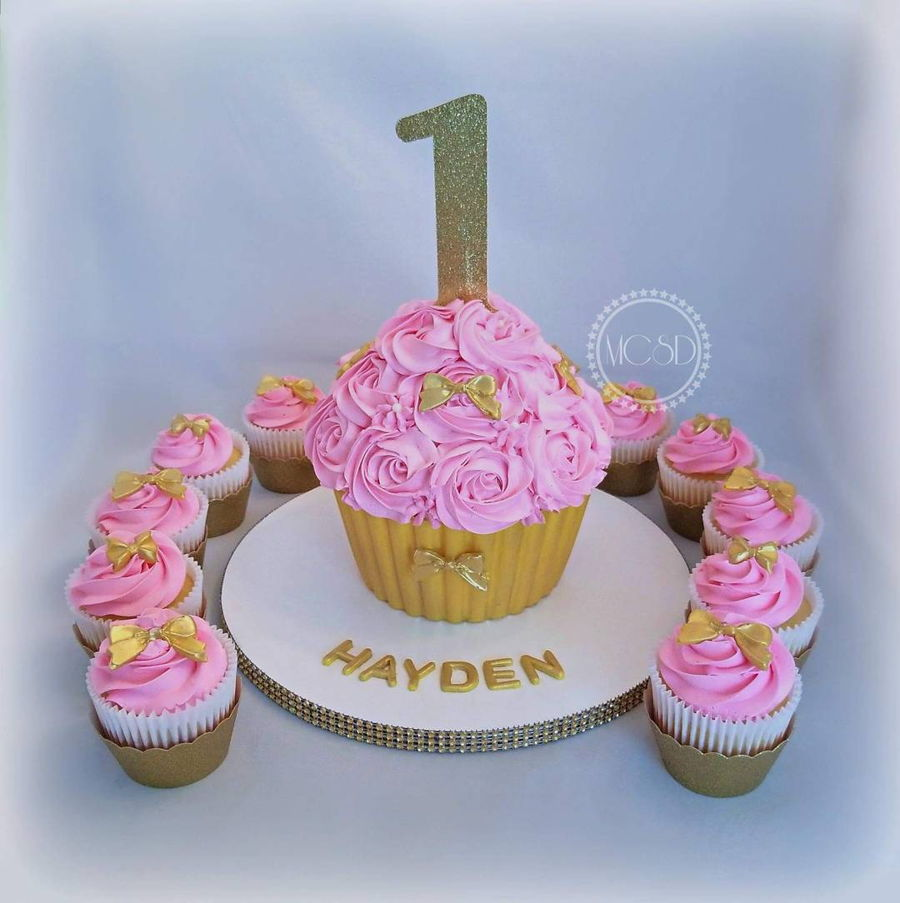 Astonishing 1St Birthday Cupcake Cake Cupcakes Cakecentral Com Birthday Cards Printable Trancafe Filternl