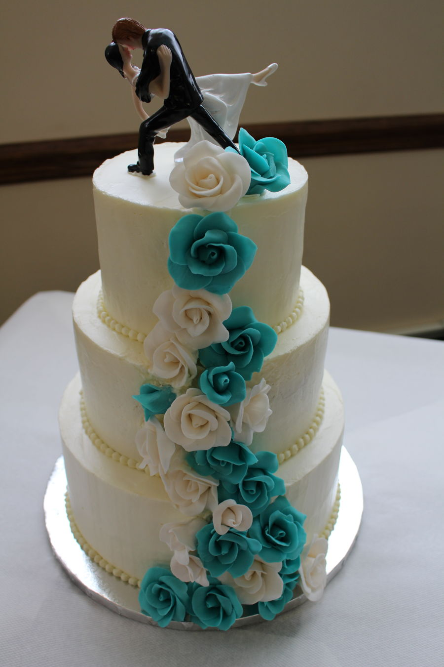 Gumpaste Rose Cascade In Turquoise And White on Cake Central